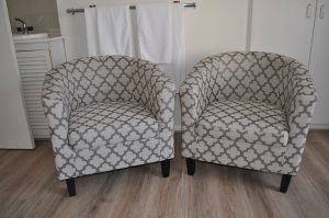 Morton Wing Guest Room 1: Comfortable seating