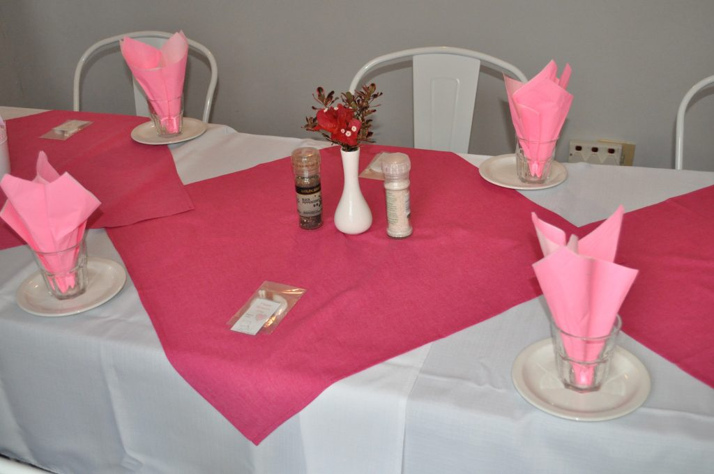 Table setting - bougainvillea